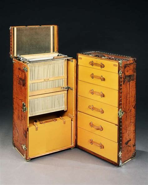 Modern Wardrobe Trunk by 17 Best Images About The Department Of Steamer Trunk