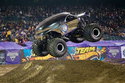 monster truck show edmonton 5 things to know about maple leaf monster jam