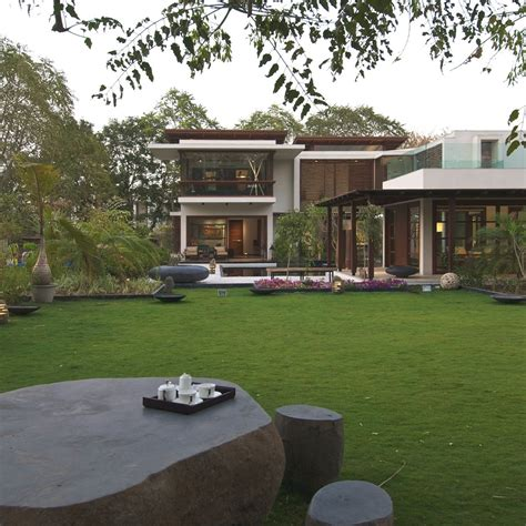 courtyard house by hiren patel architects architecture courtyard house by hiren patel architects gujrat india