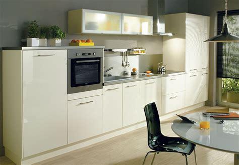 cuisine 駲uip馥 conforama pas cher cuisine equipee a conforama maison moderne