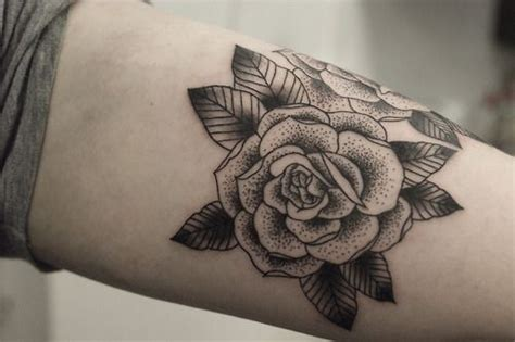 stippling tattoo 25 best ideas about pointillism on dot