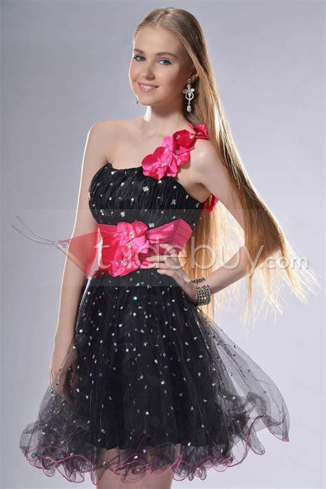 imagenes de vestidos de graduacion de primaria vestidos de promocion de primaria cortos chicle buscar