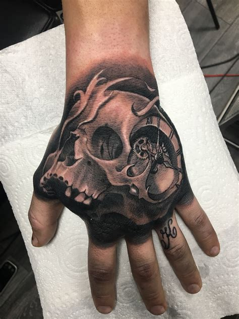 hand tattoos kindle pictures to pin on pinterest tattooskid