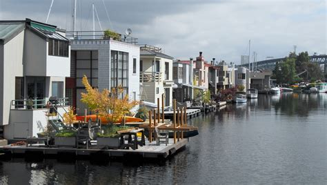 house boat seattle roanoke reef houseboats 10 e roanoke luxury seattle floating homes