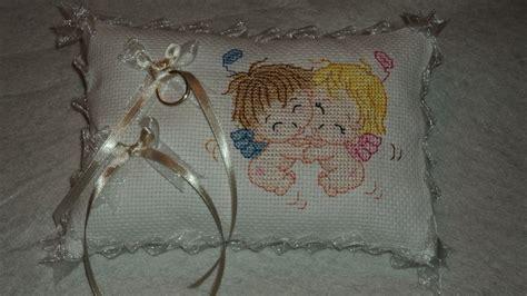 cuscino fedi punto croce cuscino portafedi ricamato a mano a punto croce feste