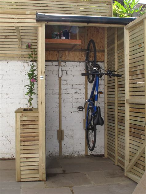 tifany blog    build  small bike shed