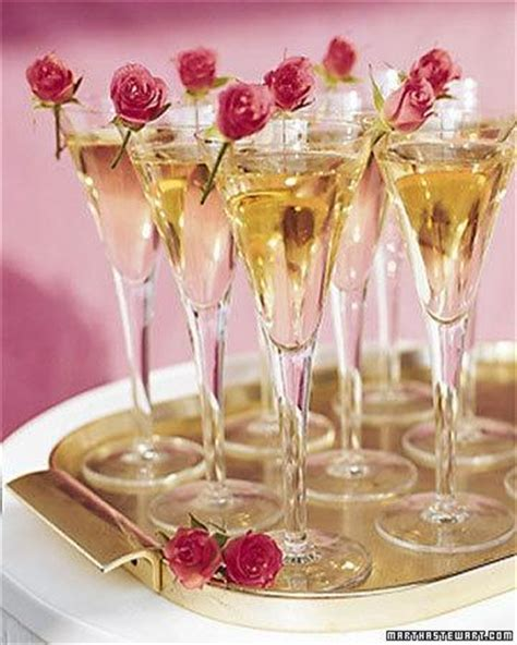 cocktails drinks wedding drinks ideas 1920044 weddbook