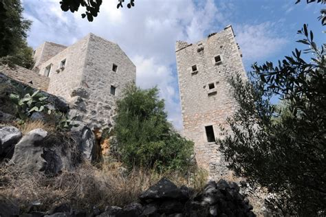 traditional tower house  mani greece byz level