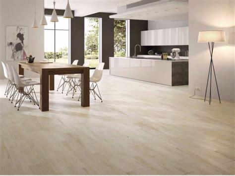 pavimenti in legno bianco pavimento in gres porcellanato effetto legno larice bianco
