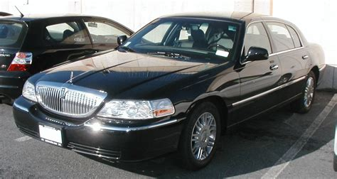 Car L by File Lincoln Town Car Signature L Jpg Wikimedia Commons