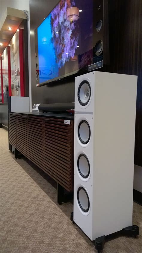q700 white side view at monaco audio home theater