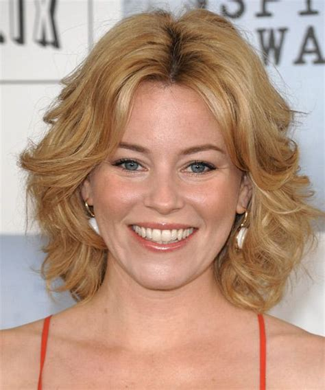 casual hairstyles for medium length curly hair elizabeth banks casual medium wavy hairstyle