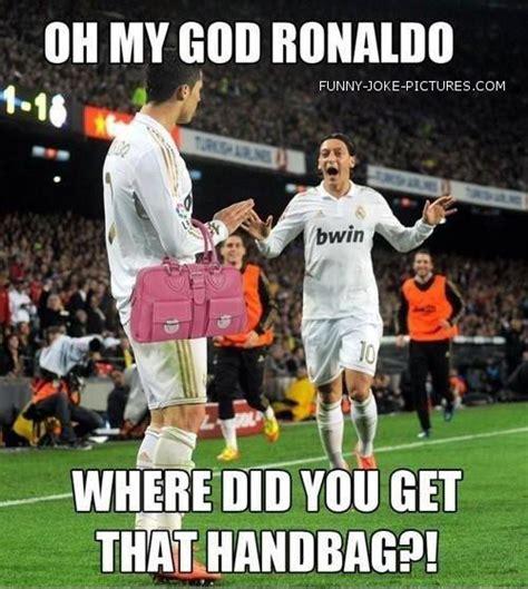 fotos real madrid humor real madrid ronaldo ozil handbag funny joke pictures