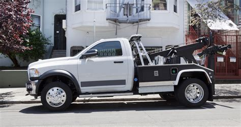 insurance agent     tow truck