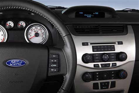 ford 911 assist set 911 assist ford sync