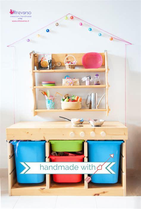 cucine da bambini una cucina in legno fai da te per i bambini in una casa di