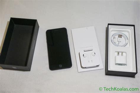 apple iphone   jet black whats   box techkoalacom
