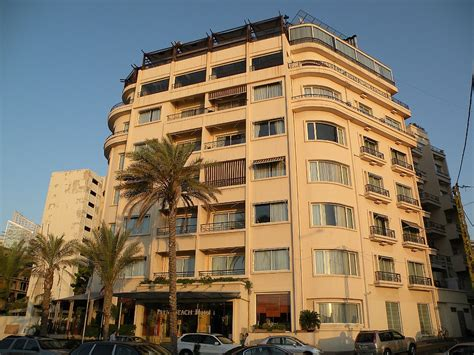 Beirut Hotel 2011 Beyrouth Hã Tel For Free Beirut Corniche 11 Palm Hotel At Eastern End Of Corniche