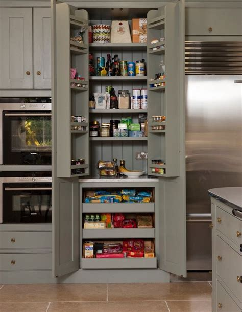 kitchen cabinet pantries 25 best ideas about small pantry closet on
