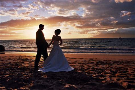 kauai weddings romantic sunset wedding
