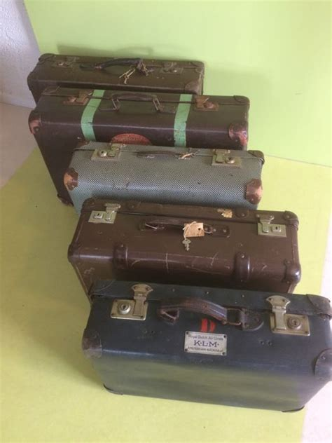 cabin crew traduzione a lot of five vulcanised cases including a klm for