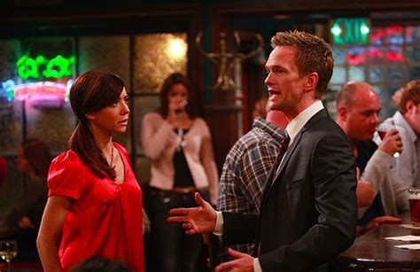 how i met your mother couch what s alan watching himym quot the naked man quot look down