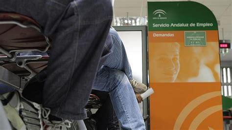 oficina servicio andaluz de empleo funcionarios recurren el plan de la junta para 1 118