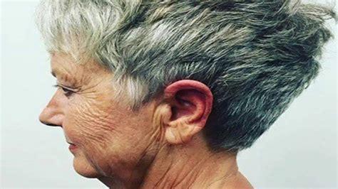 coiffures courtes pour femmes de 70 ans