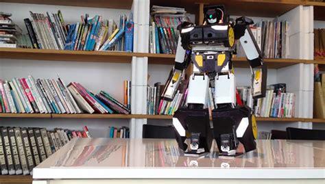 Mobil Robot Tranformer Remote Scale 1 12 brave robotics transforming robot car rolls out