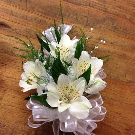 Wedding Corsages by Wedding Corsage For Grandmothers Flower Spotlight