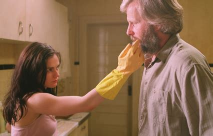 jeff daniels bathroom scene film review the squid and the whale baumbach 2005