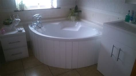 High Gloss White MDF Flexible Bath Panel ideal for Corner