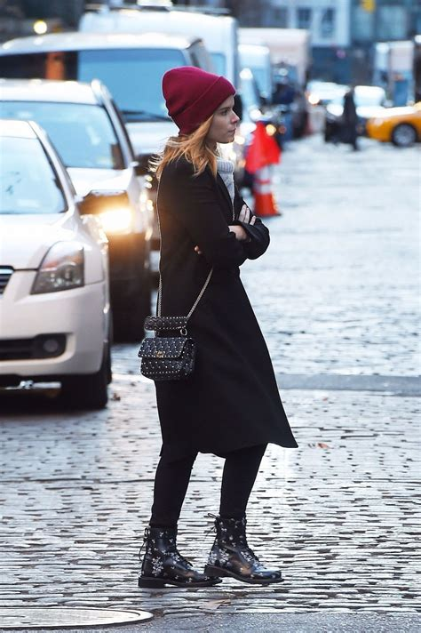 Kate Hudson Strolls In Soho With by Kate Mara Out For A Stroll In Soho New York City Celebzz