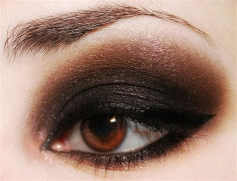 Eyeliner Brown makeup tips for brown makeup for brown step by step