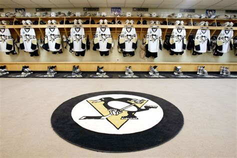 detroit locker room 1991 stanley cup ring classic penguins stanley cup rings and pittsburgh penguins