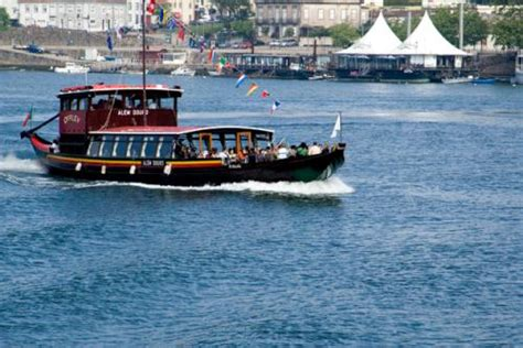 boat trip douro douro valley boat trip things to do porto portugal