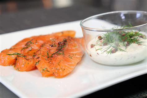 comment cuisiner le saumon comment cuisiner le saumon savoir le choisir le