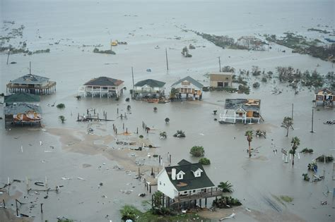 Galveston Search File Airmen Search And Rescue Galveston Island Hurricane Ike September 13 Jpg