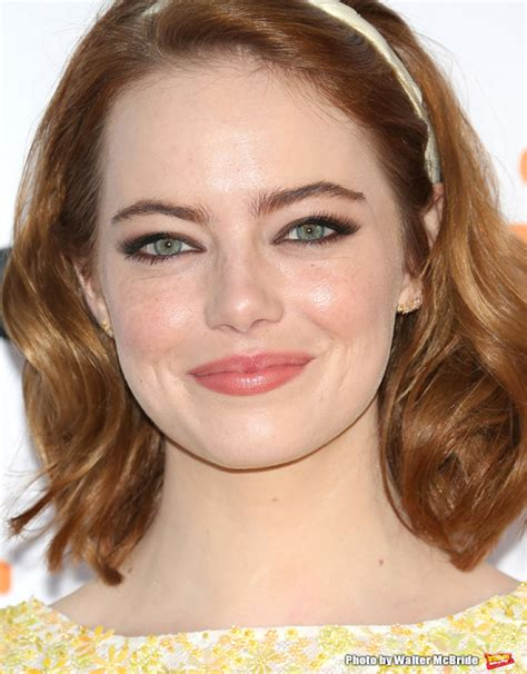 emma stone mean girl lindsay lohan invites emma stone to film mean girls 2 together