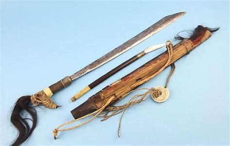 Jual Pisau Belati Tradisional 5 senjata tradisional khas indonesia yang unik dan gila
