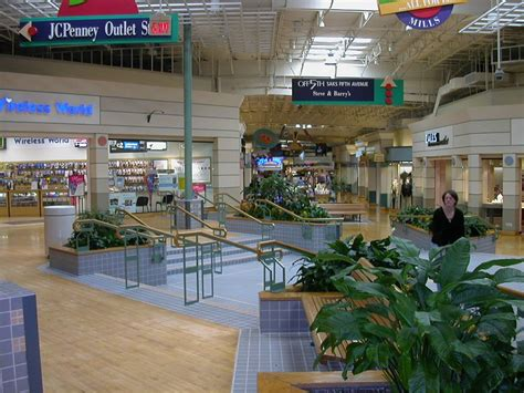 potomac mills mall washington dc a place to shop for hours without running out of stores per fyi