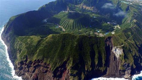 aogashima coast islands volcanic water wallpaper