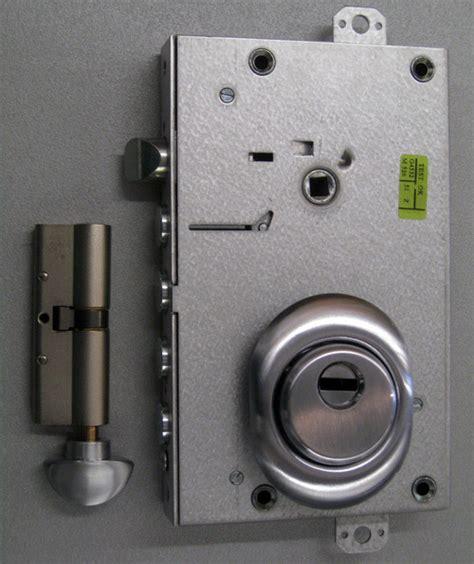 cilindro porta blindata prezzo conversione della serratura per porta blindata venezia