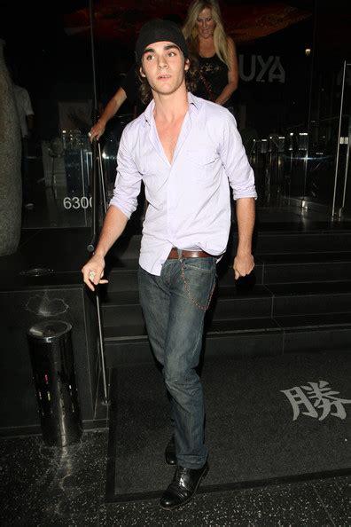 rj mitte classic jeans rj mitte looks stylebistro