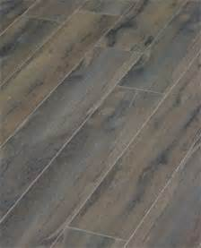 things we porcelain tile that looks like wood