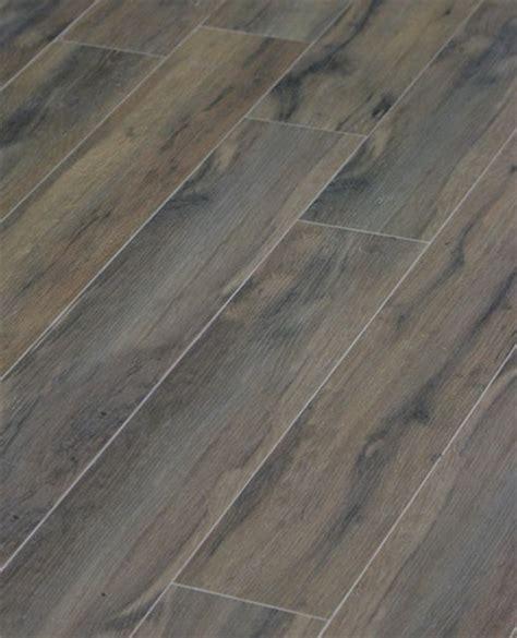 Porcelain Tile Flooring Looks Like Wood