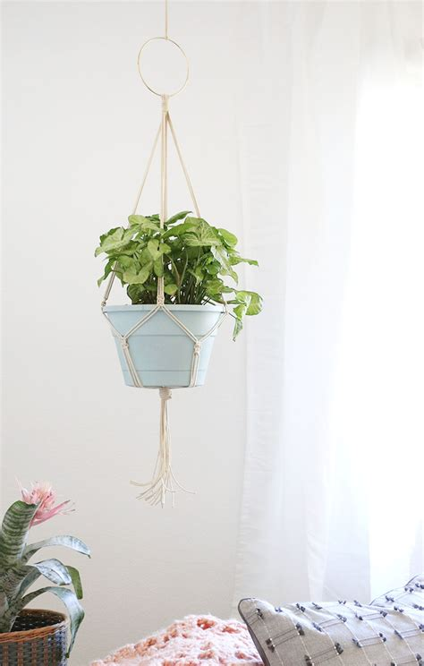 How To Make Plant Hangers Macrame - simple diy macrame plant hanger lou