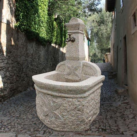 steinbrunnen garten steinbrunnen 187 catania 171 mit verzierungen gartentraum de