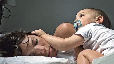 wann schläft baby durch wann und wie viel ein baby schlafen sollte