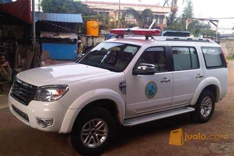 Karpet Mobil Ford Everest ford everest ambulance 4x4 2015 ford ranger cabin